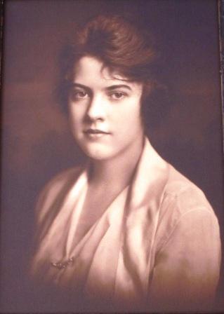 A portrait of Evelyn Hazen