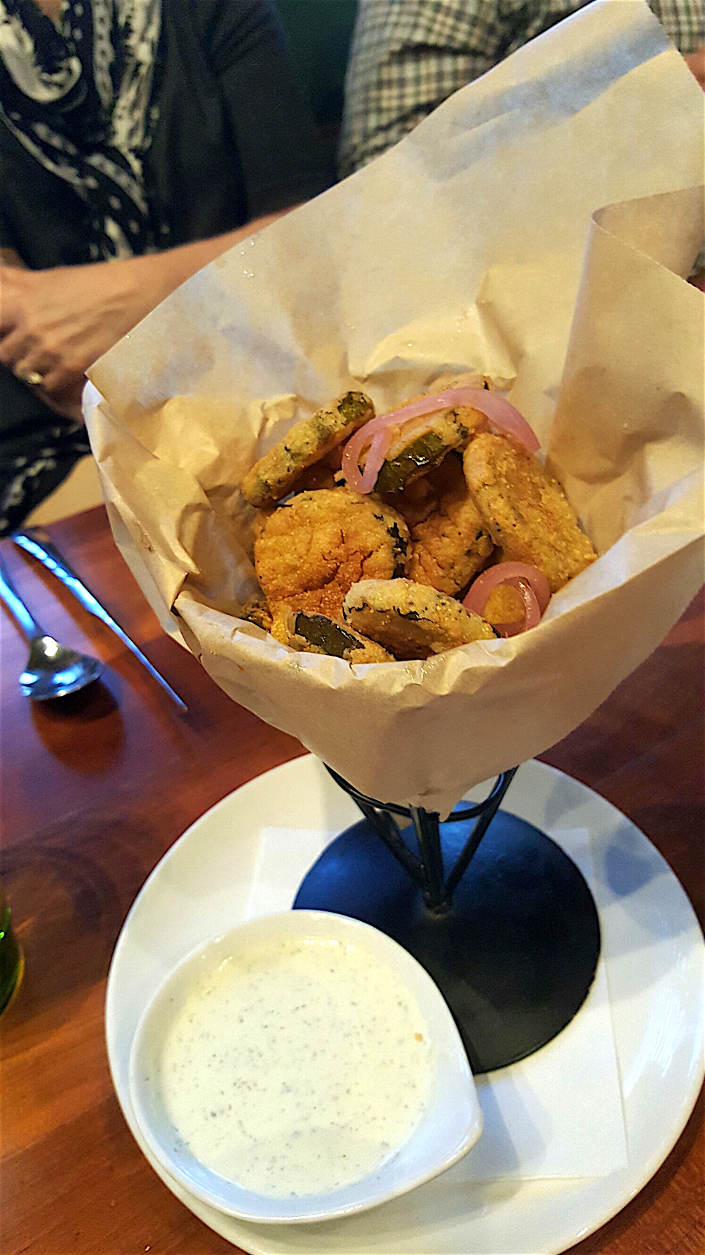 The fried pickles were to die for. Unfortunately, I ate so many of them that I couldn't finish my delicious Mussels Mariniere which were served in a bay shallot thyme Chablis butter broth. Boo.